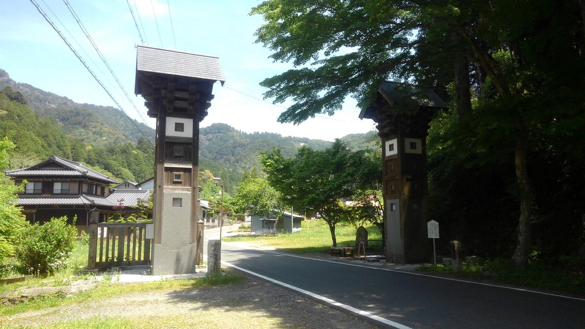 鳳来寺の木戸
