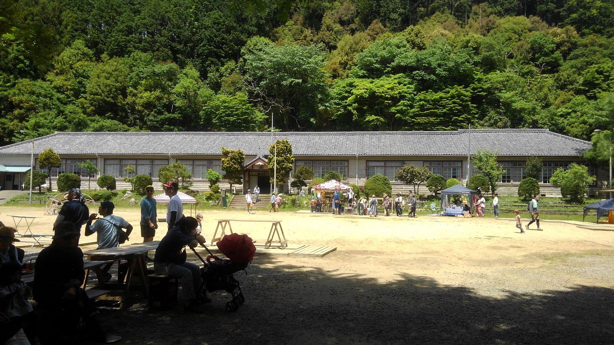 旧門谷小学校全景