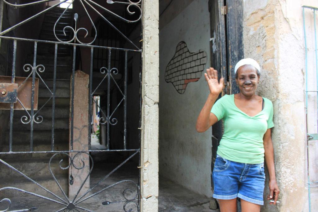 キューバのハバナの旧市街で地域の人に向けた仕出し料理屋を営む女性、タマラ・サポティンさん
