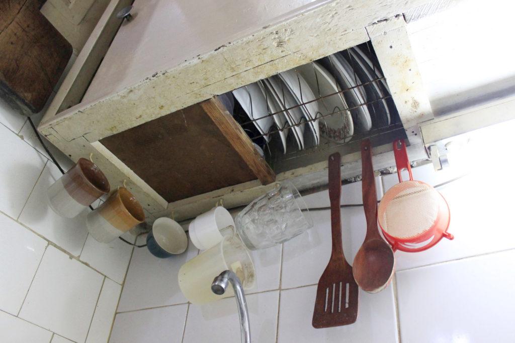 キューバの食器棚