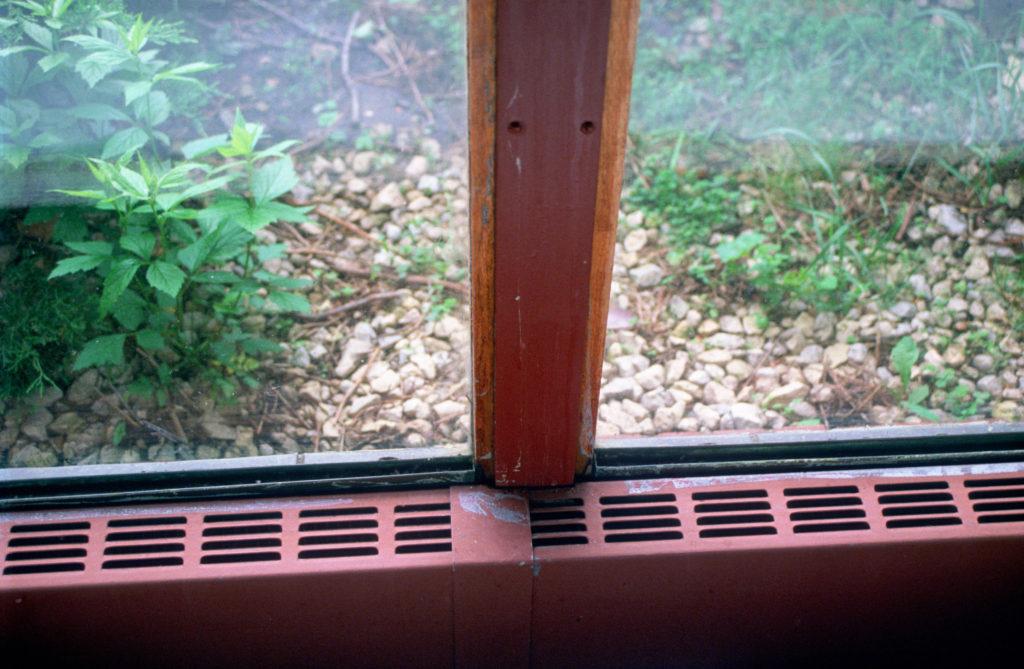 フランク・ロイド・ライトWalter邸(1945年)の窓枠ガラスの木枠