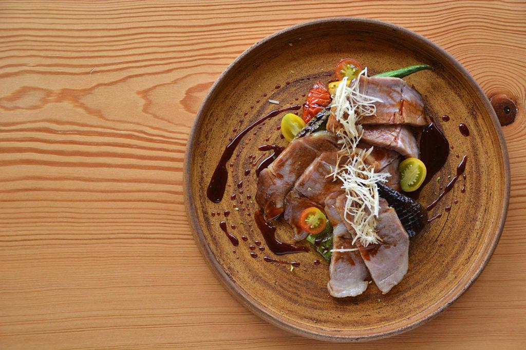 農園レストランノーティスの肉料理