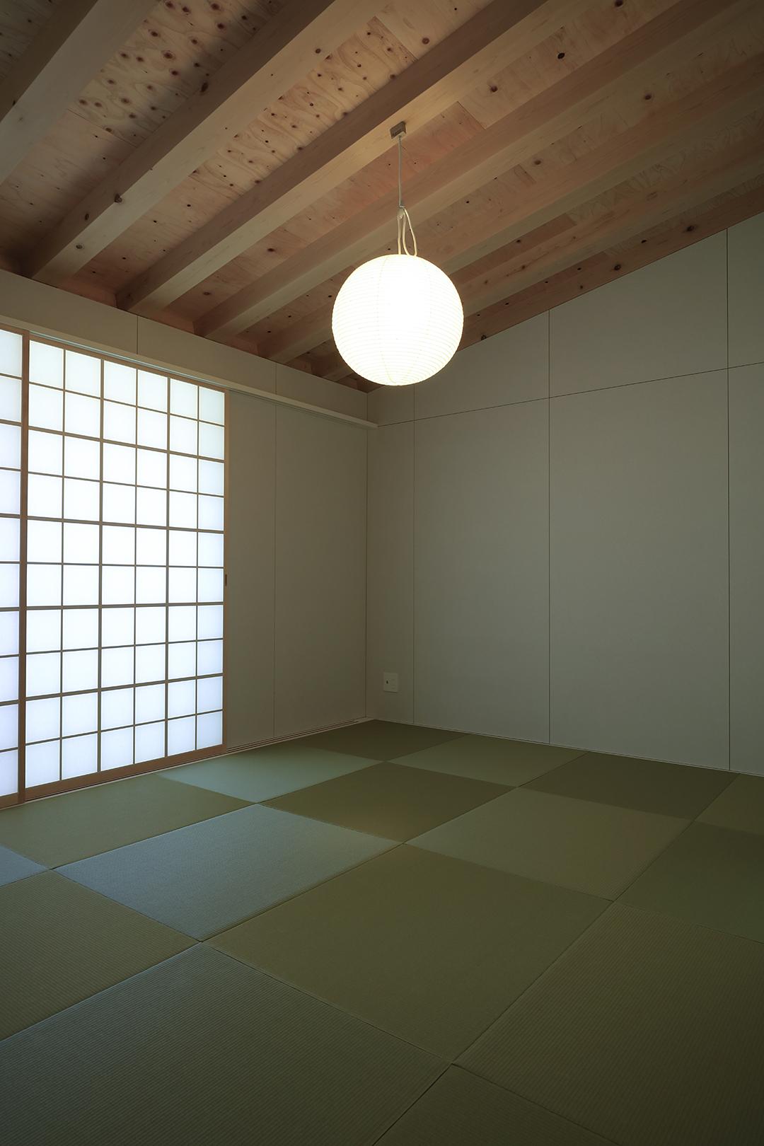 線の美しさを感じる和室