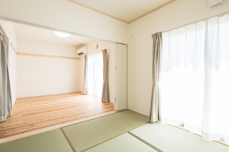 仮設住宅のリビングと寝室