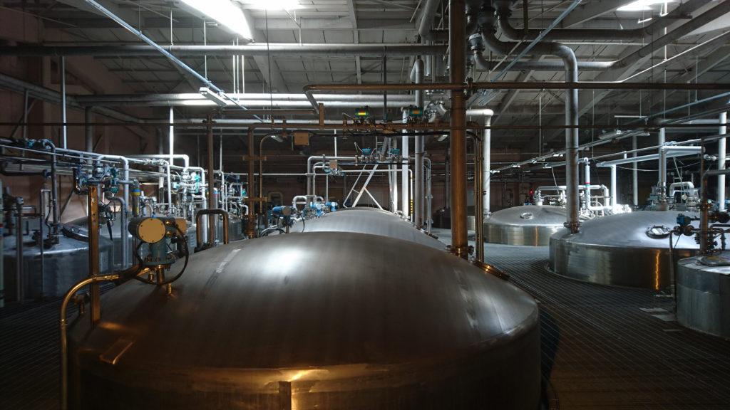 キリンのウイスキー工場のタンク