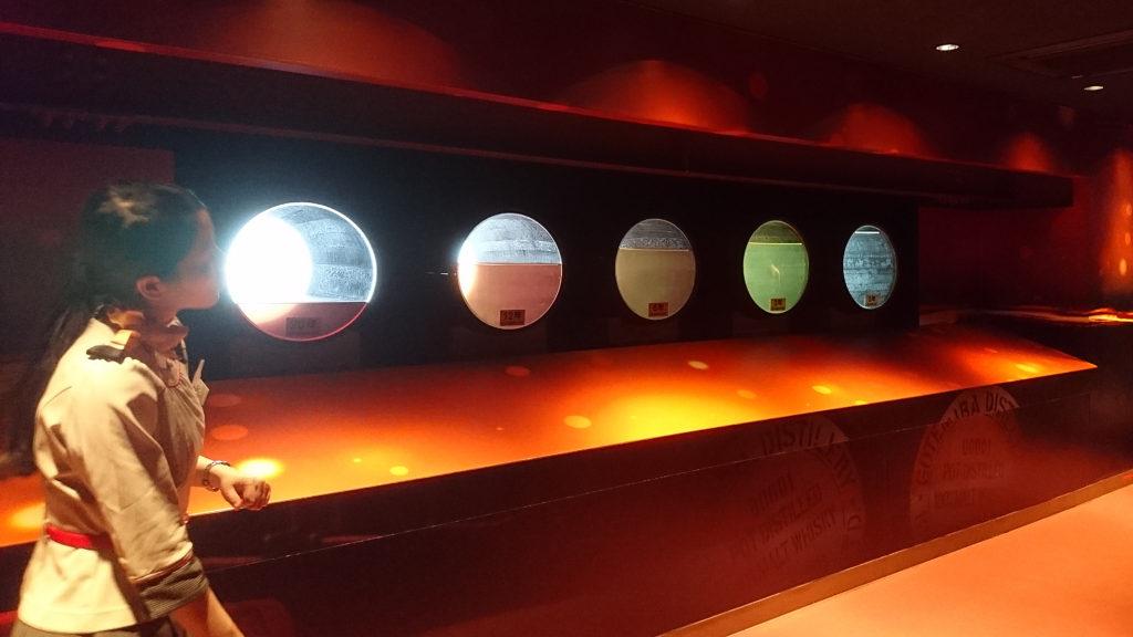 ウイスキー樽の内部の模型