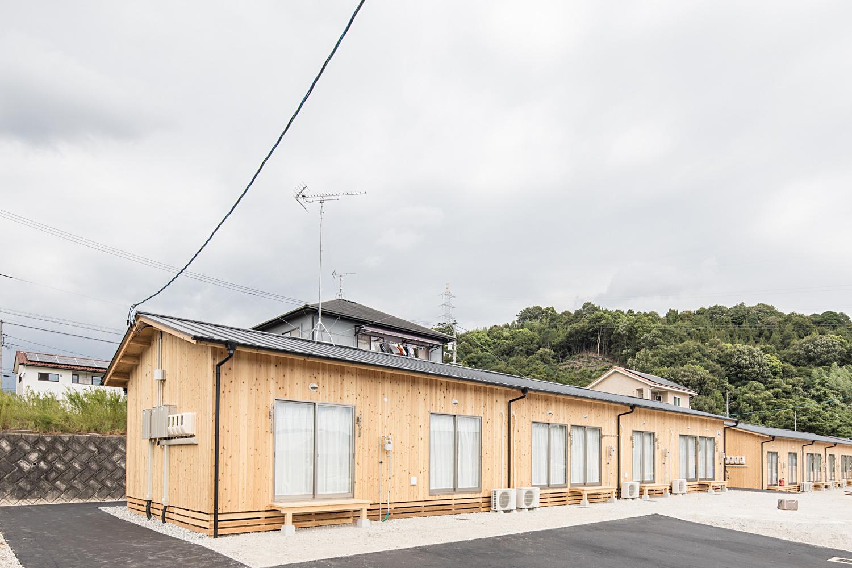 広島の木造応急仮設住宅が完成