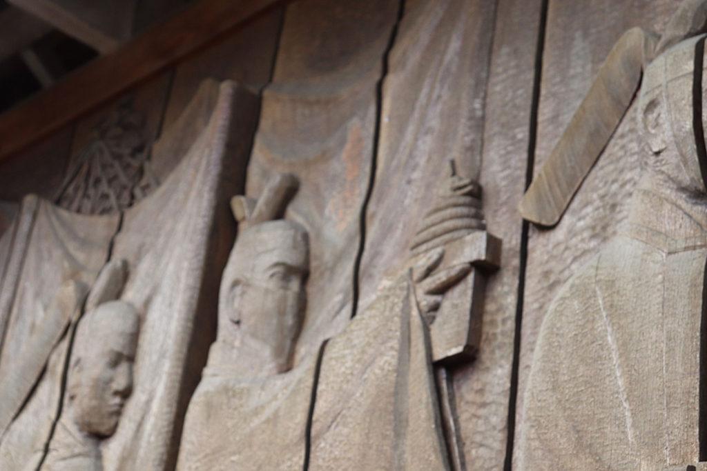 出雲大社ヘビの彫り物