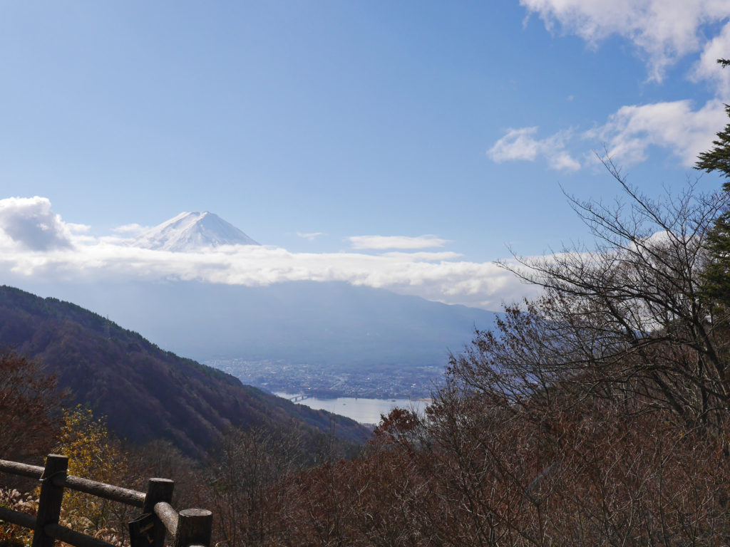 御坂峠天下茶屋から見える富士山