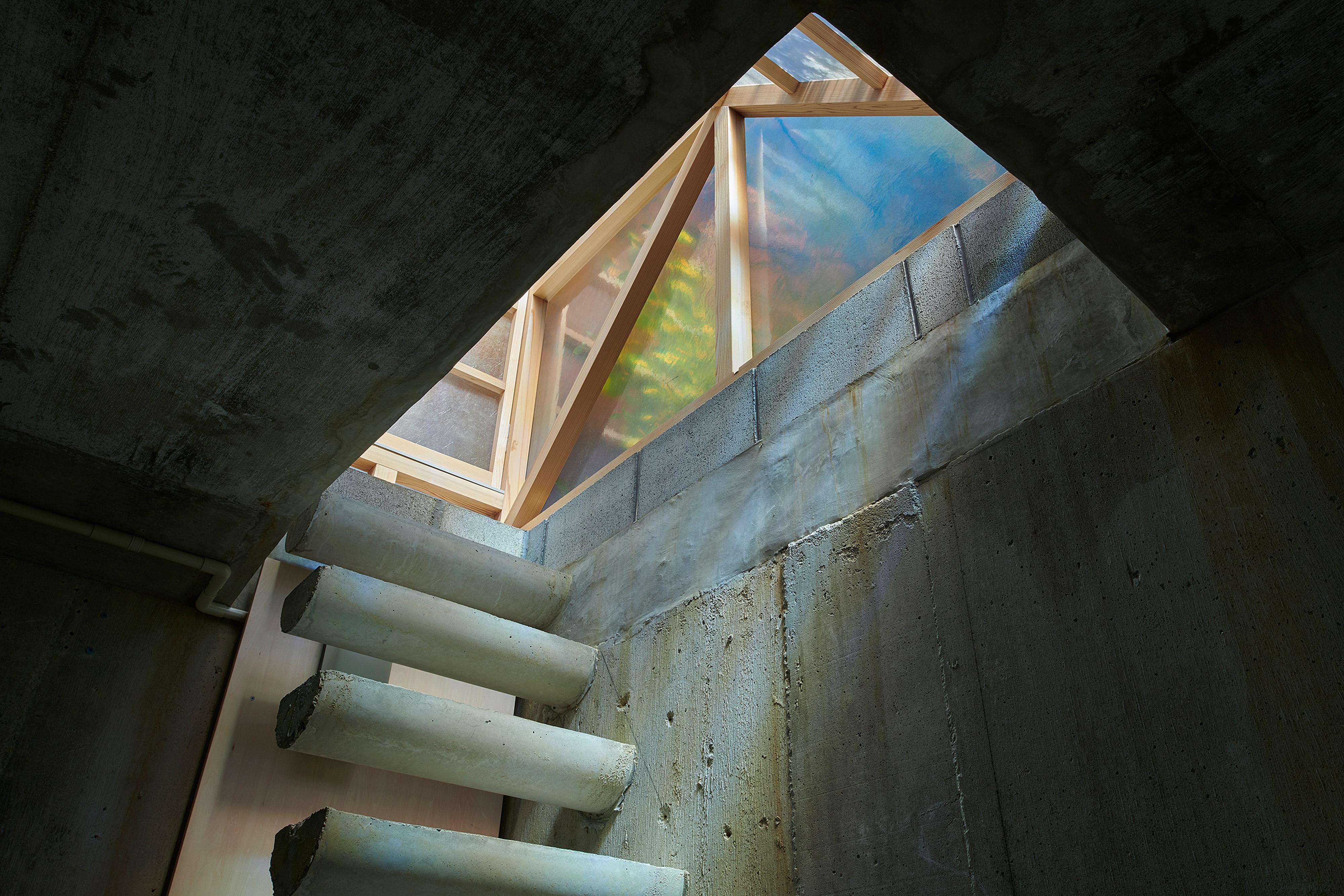 ninkipen駐車場から庭へつながる上がる階段