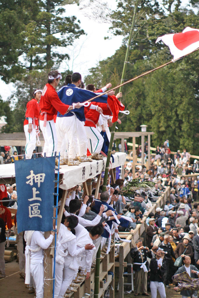 天津神社春大祭の押上区ケンカ神輿
