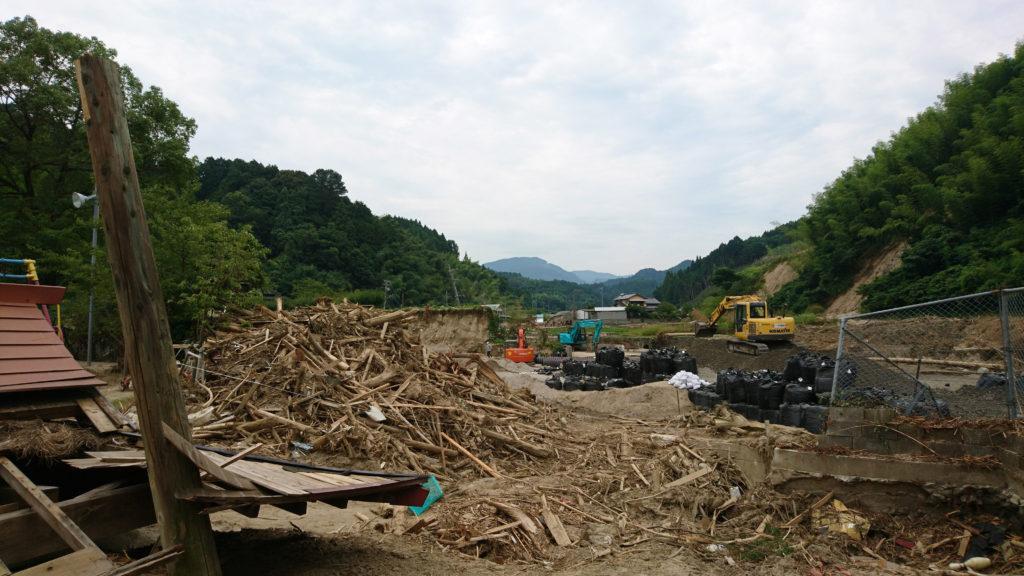 九州北部豪雨災害で流れてきた瓦礫