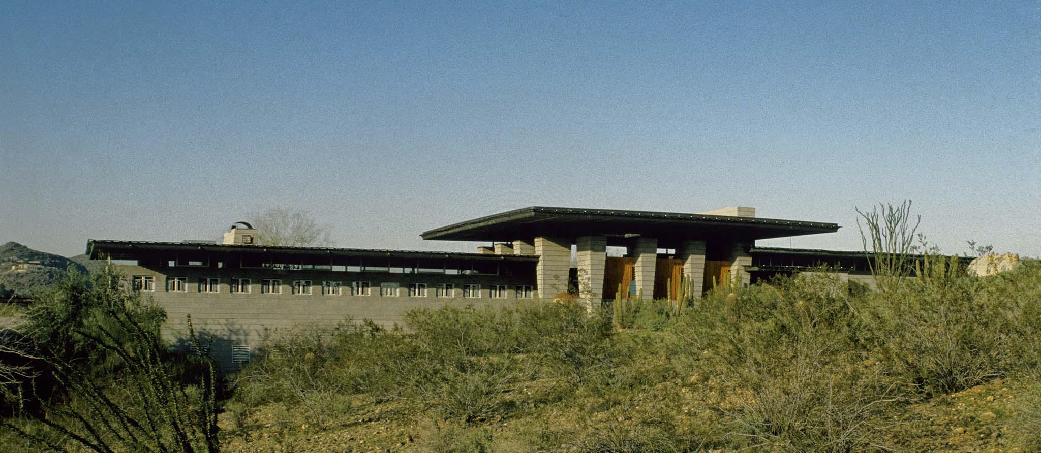 荒野のブロック住宅H.Price邸(1954)