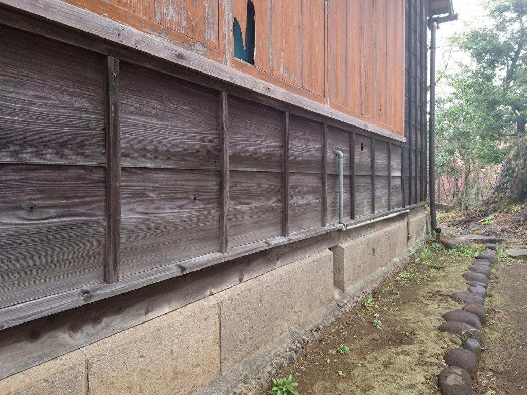 伊豆石を使った家の基礎
