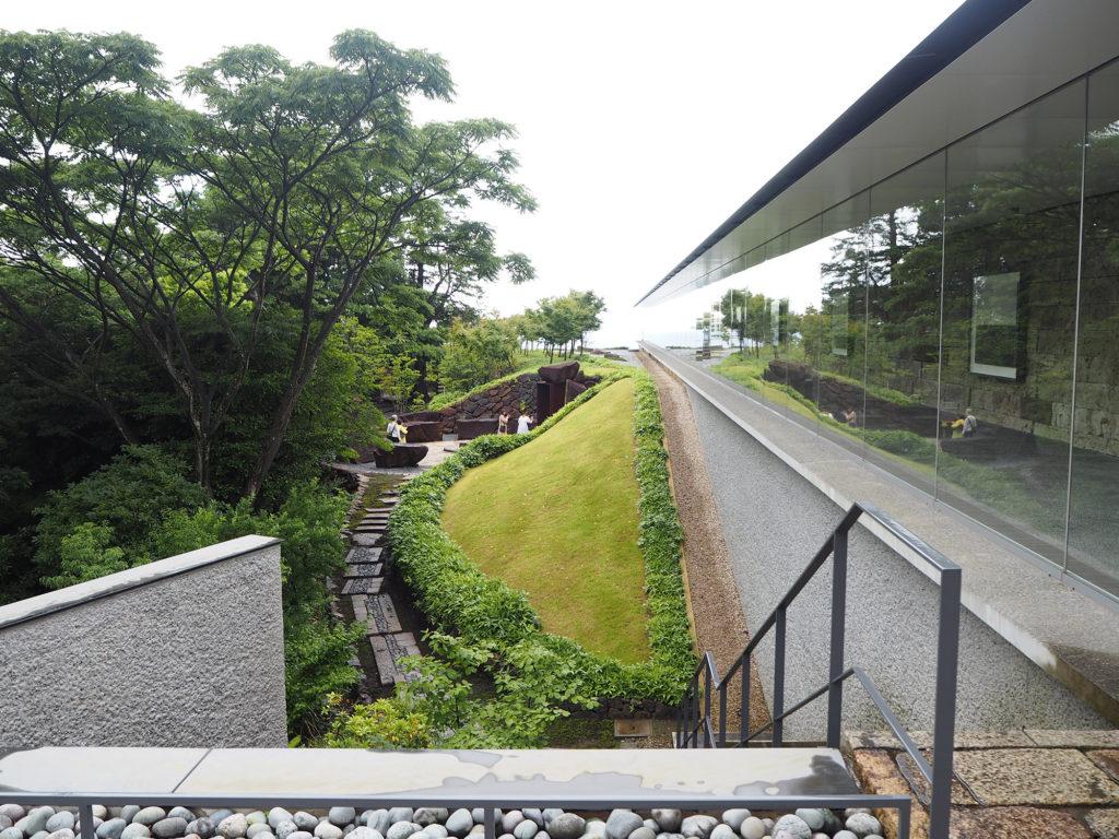 江之浦測候所夏至光遥拝100mギャラリーのエントランス