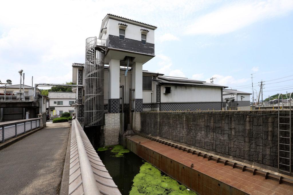 玉島港町の水門
