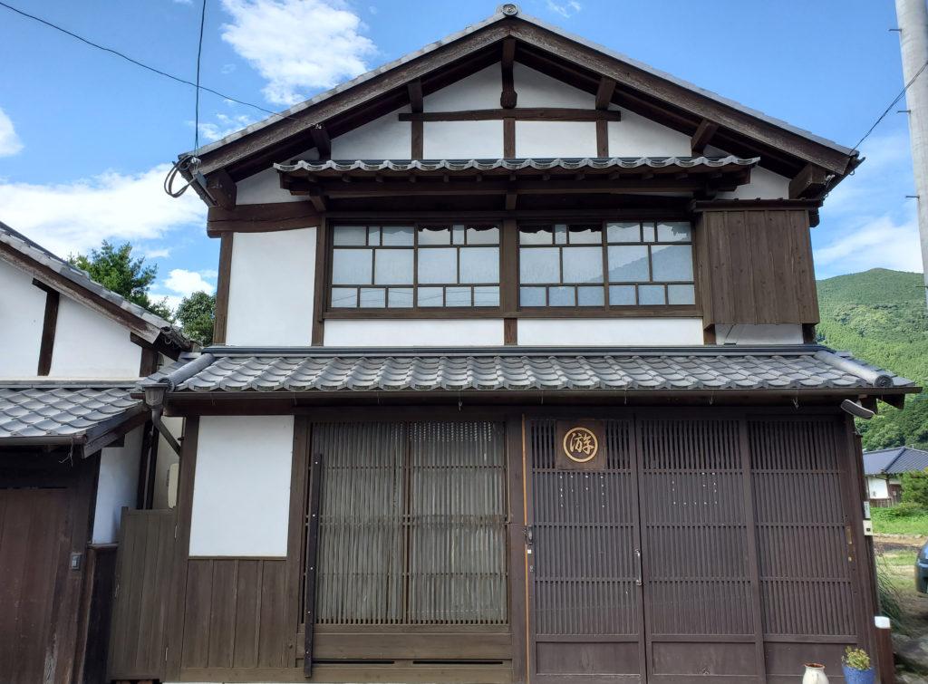 国の重要伝統的建造物群保存地区の家