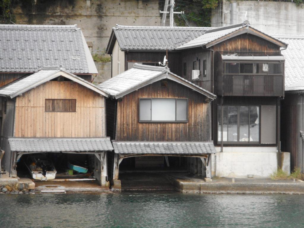 重要伝統的建造物群保存地区の舟屋連棟