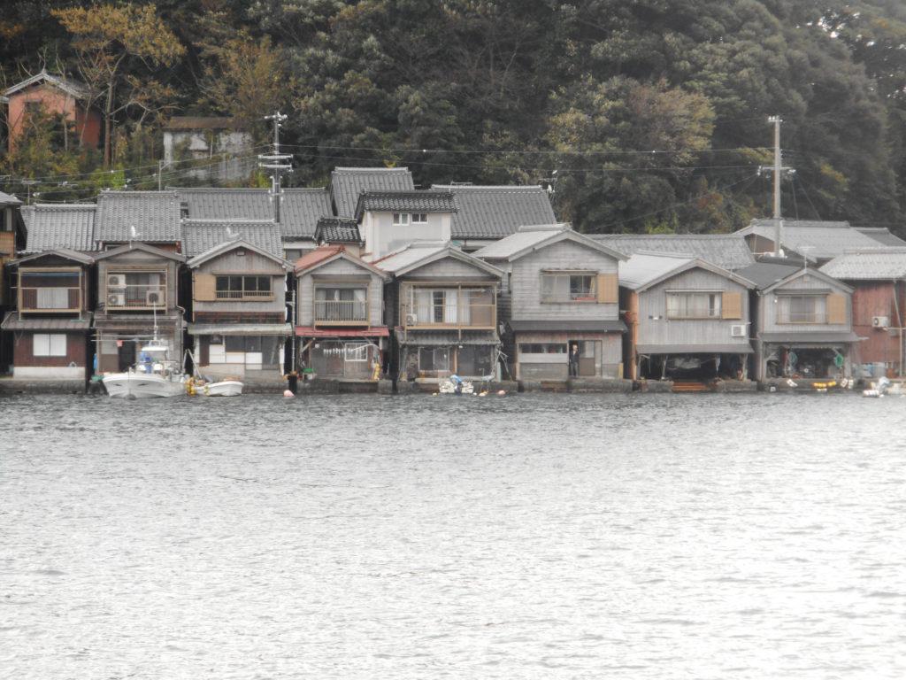 京都府の北部伊根町伊根地区の舟屋