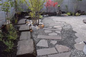 札幌軟石の庭