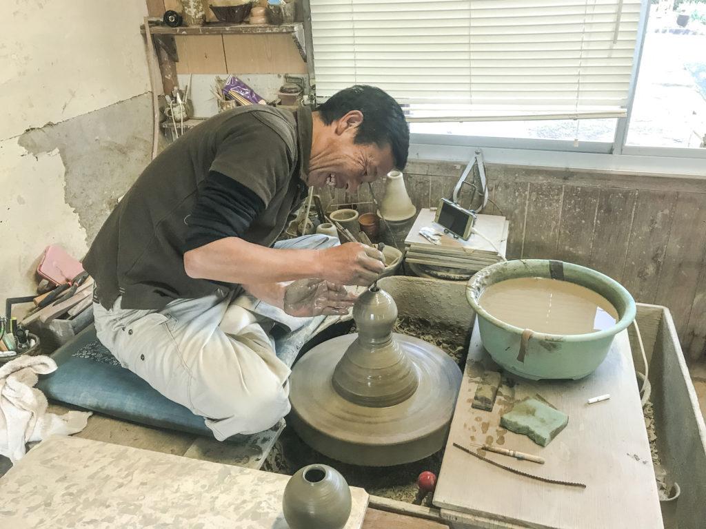 遠州七窯の一つ彦次窯の丸山成己さん