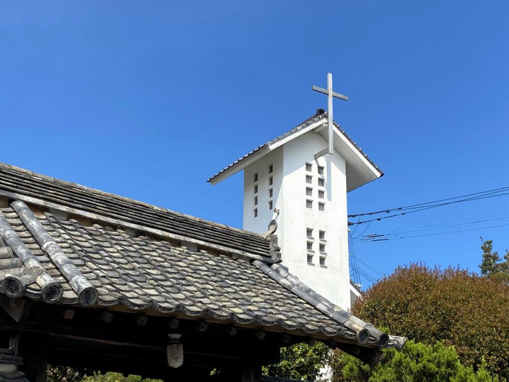 瓦屋根の教会