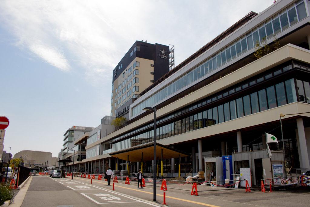 建築中の和歌山市駅