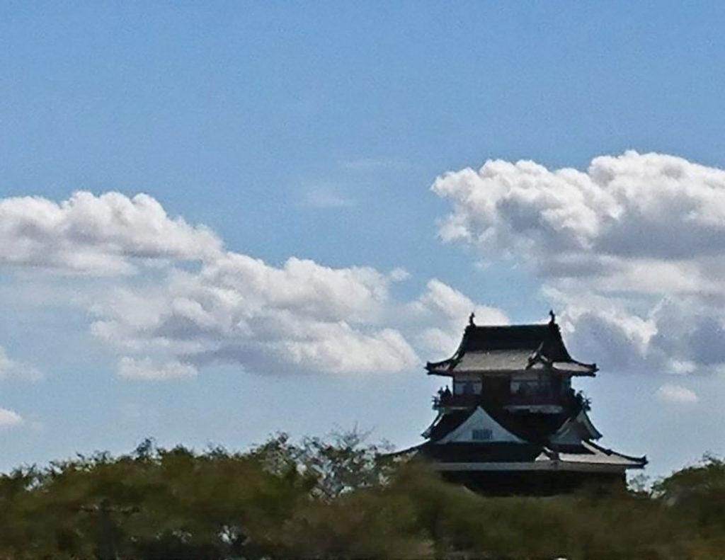 青い空と清須城