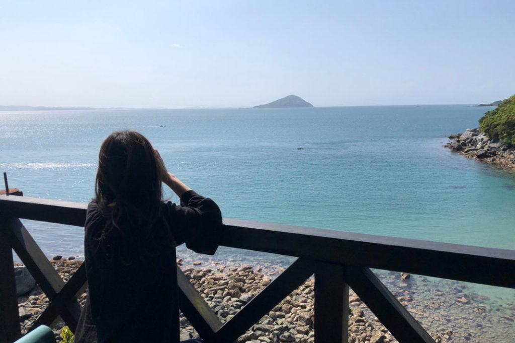 糸島の海を眺める