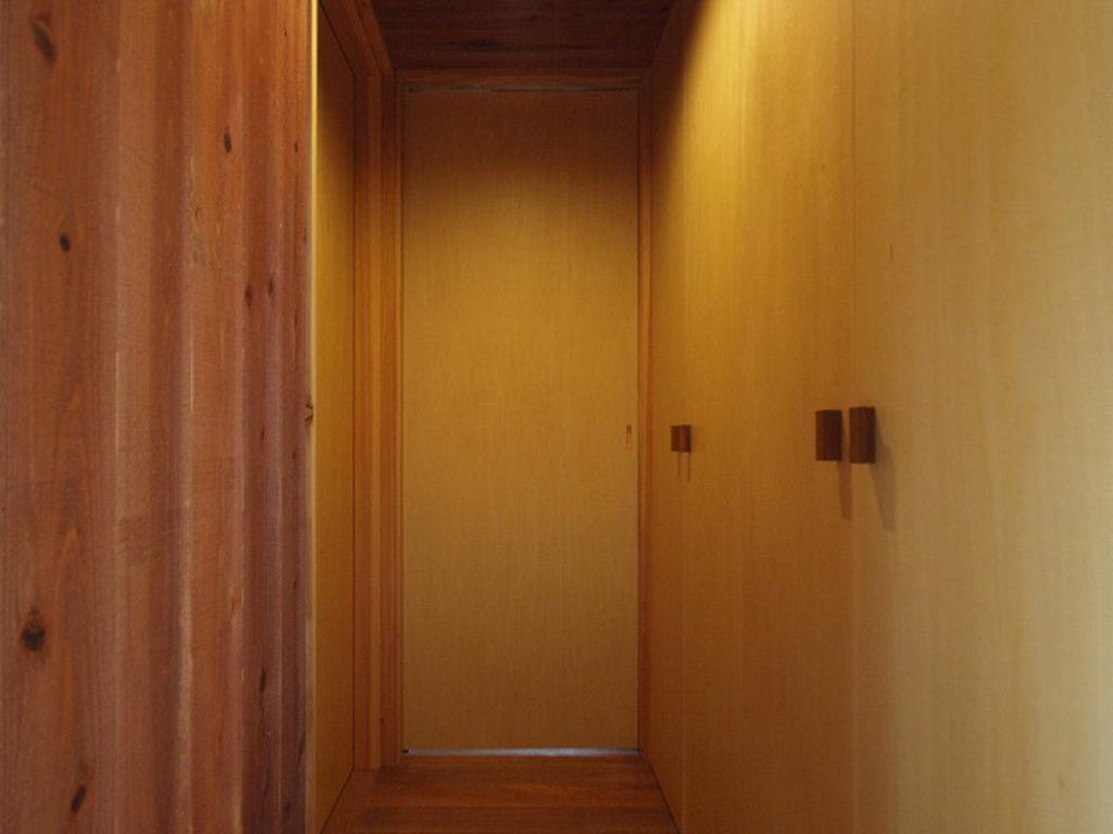 寝室のドア