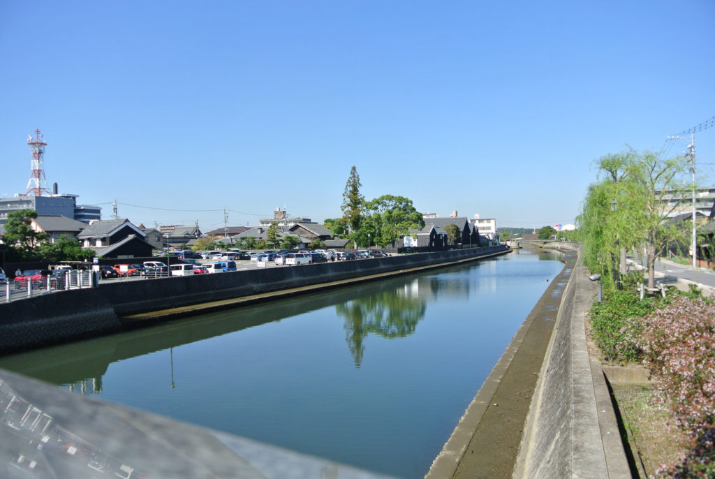 おだやかに流れる半田運河