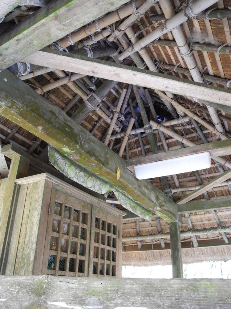 茶堂の竹組みの天井