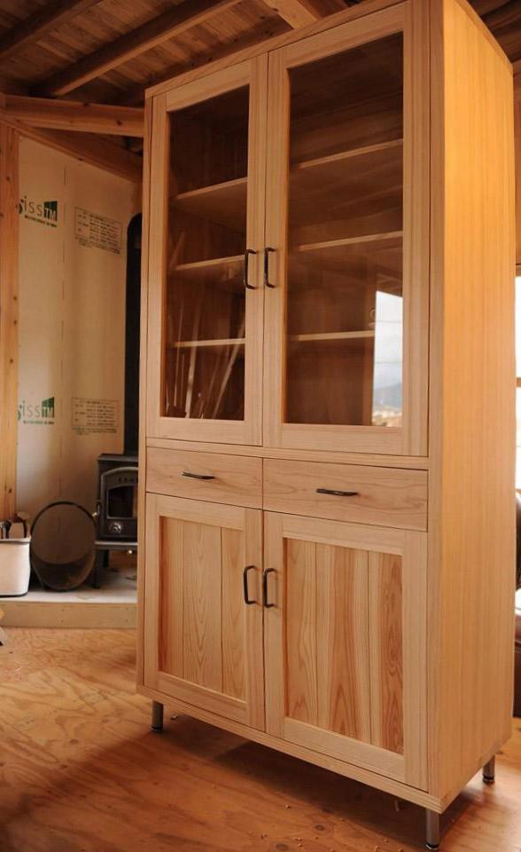 木製食器棚