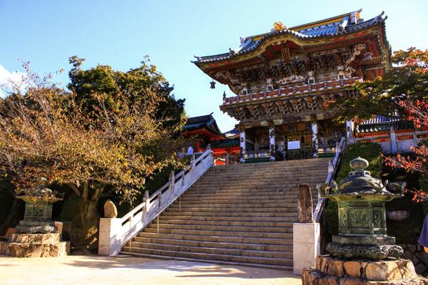 耕三寺の門