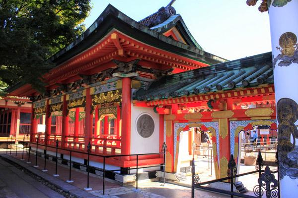鮮やかな色の耕三寺