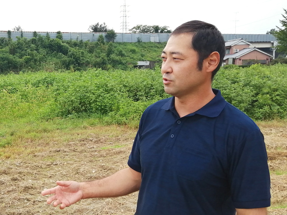 自然農を行う藤松泰通さん