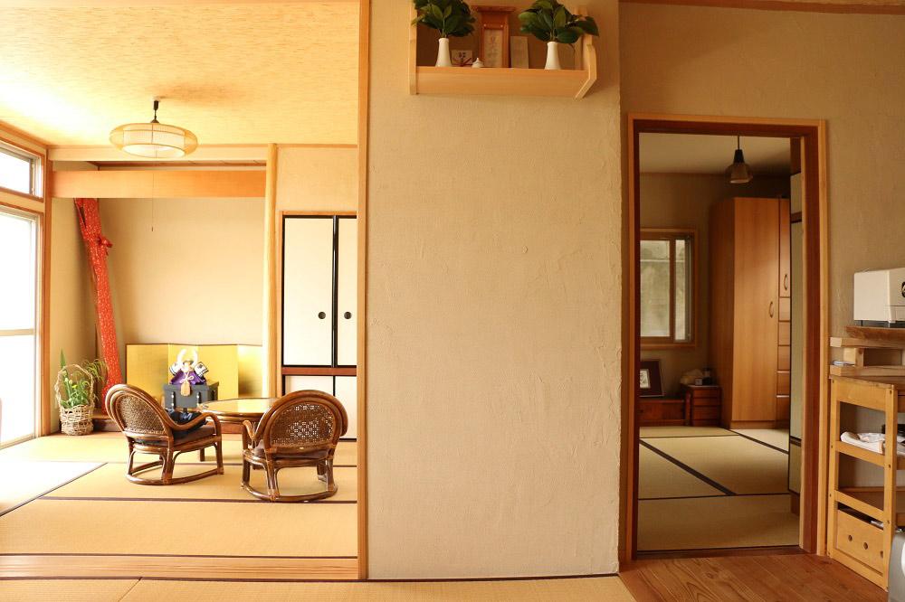 畳の部屋と珪藻土の壁